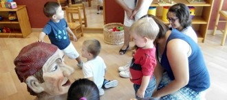 Reforçar el vincle familiar compartint l'escola bressol amb els fills