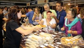 La Fira del Torró i la Xocolata a la Pedra acaba amb èxit de públic