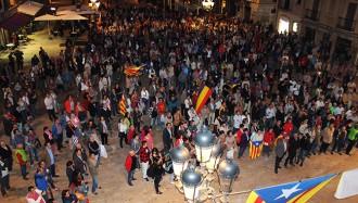 Centenars de persones reclamen a Tarragona l'arxiu de la querella del 9-N