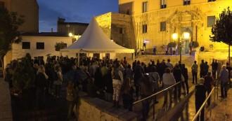 Més de 100 persones donen suport a Torredembarra als imputats del 9-N