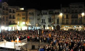 Clam contra les imputacions pel 9-N a la plaça del Mercadal de Reus
