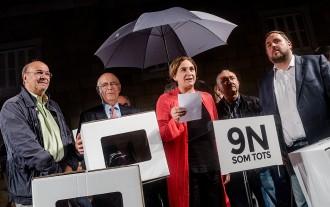 Vés a: Ada Colau encapçala la denúncia de les querelles «antidemocràtiques» contra Mas, Ortega i Rigau
