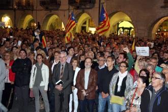 FOTOS Concentracions en suport als imputats pel 9-N arreu del país