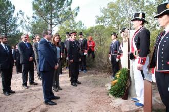Un monument recorda els dos mossos d'esquadra assassinats el 1845 a Seva