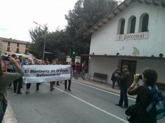 Vés a: Unes 300 persones es manifesten en defensa del Montseny
