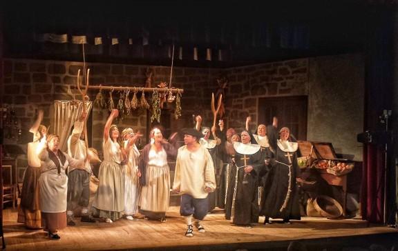 La UBIC de Cardona omple el Teatre en el seu debut i prorroga amb dos sessions més