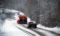 L'hivern «arriba» amb vent, fred i neu