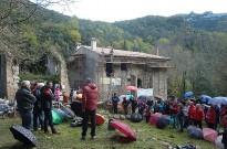 Acabada la teulada del refugi de Sant Aniol d'Aguja, a l'Alta Garrotxa