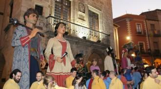 Els Gegants i Nanos de Montblanc celebren la seva primera Diada