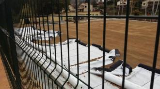 Malmeten material de la gespa artificial del camp de futbol de Vallgorguina