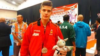 El palauenc Marc Camacho plata en el mundial cadet de kumite