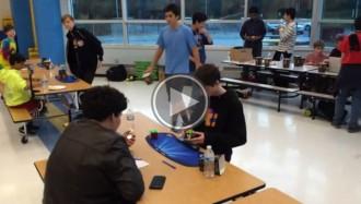 VÍDEO Un noi de 14 anys marca un nou rècord mundial de «rubik» per sorpresa