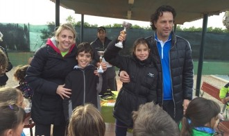 El Tennis Torredembarra celebra el quart torneig de pares i fills