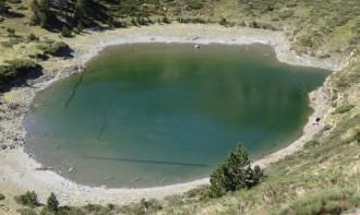 L'estany Closell recupera la seva transparència natural