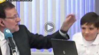 VÍDEO Clatellot de Mariano Rajoy al seu fill en directe a la COPE
