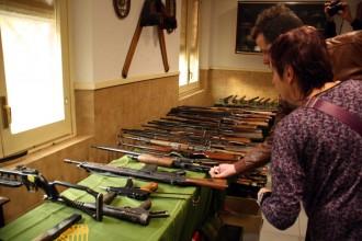 Vés a: La Guàrdia Civil decomissa un arsenal de 200 armes i explosius a Camprodon