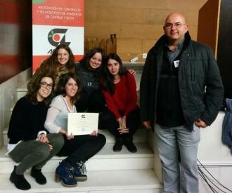 Cinc estudiants de la UdL guanyen un premi per boles de cereals que es dissolen a la llet