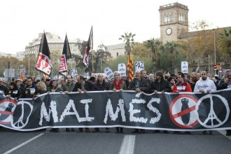 Torna el «no a la guerra» al centre de Barcelona