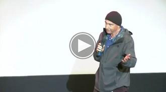 Lluís Llach canta «L'Estaca» al Festival Filmets un any després de la censura del PP