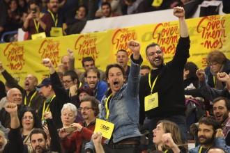 El «no» de la CUP a Mas, la retirada de simbologia franquista a Barcelona, i les altres notícies destacades del dia (29/11/2015)