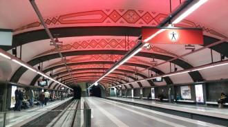Vés a: Ferrocarrils de la Generalitat commemora el Dia Mundial de la Sida il·luminant una estació