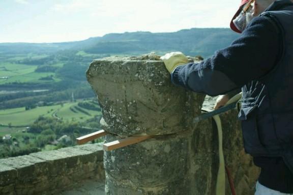 Conservació i restauració d'una de les primeres representacions de l'escut de Solsona