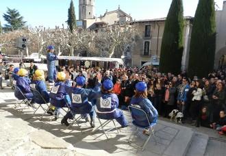 El pregó de Les nenes del Serrat escalfa els motors del 36è Carnaval de Centelles