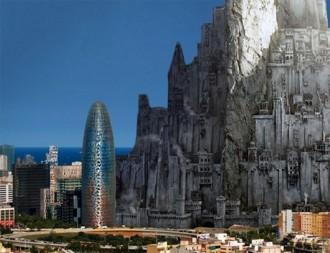 La torre Agbar, petita al costat de Minas Tirith de «El Senyor dels Anells»