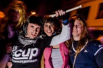 La CUP inspira disfresses de «senyoretes» del Carnaval de Terra Endins