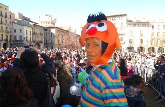 La plaça de Vic s'omple de nens disfressats