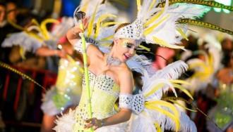 La majestuositat del Carnaval de Tarragona torna a desfilar pels carrers