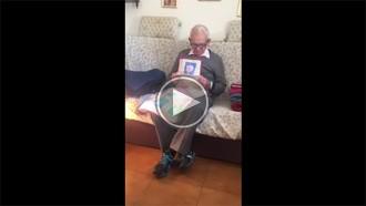La reacció del jubilat a qui van apujar dos euros la pensió es fa viral