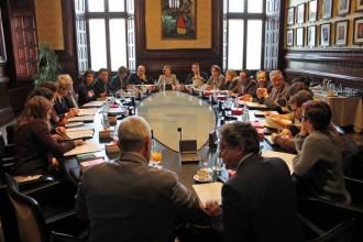 La mesa del Parlament accepta crear la ponència conjunta de les lleis del procés