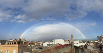 Un gran arc de Sant Martí deixa una bonica estampa al Camp de Tarragona
