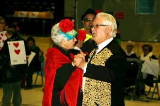 La gent gran s'acomiada del Carnaval amb Jubilats al lloro