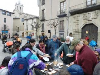 Enterrament de la sardina a Centelles passat per aigua
