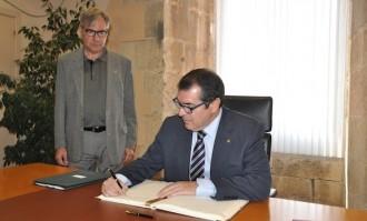 El conseller Jordi Jané anuncia la nova comissaria de Mossos a Torredembarra