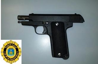 Vés a: La Policia Local de Palautordera deté un home amb una pistola de 7,65 mm