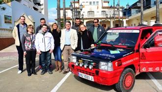 Roda entrega vint quilos de material escolar per a la Desert Trophy Panda