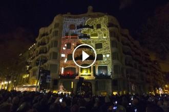 VÍDEOS La Pedrera «pren vida» en un espectacular muntatge audiovisual