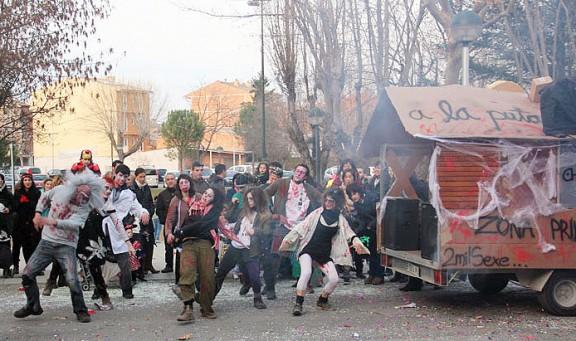 El Karkamal omple de gresca i color els carrers de Calldetenes