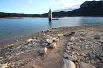 Vés a: FOTOS L'embasament de Sau acumula la meitat d'aigua que ara fa un any