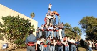 Dinou anys de relació entre Castellers del Riberal i Arreplegats
