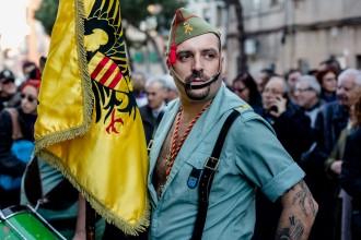 Vés a: Els legionaris insten la Policia Nacional a unir-se a la seva marxa a Barcelona