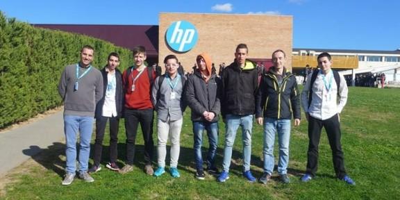 Sis alumnes de l'Escola Arrels participen al concurs de resolució de problemes computacionals a Hewlett-Packard