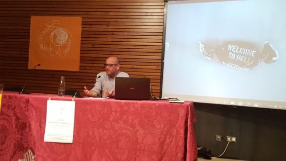 El periodista Plàcid Garcia-Planas explica a Solsona com narrar el dolor de la guerra