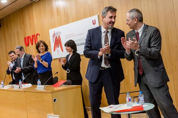 Martin Dougiamas investit Doctor Honoris Causa per la UVic