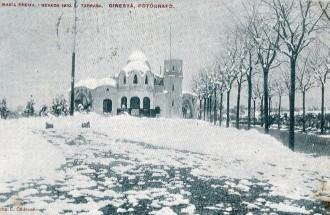 La Masia Freixa després de la nevada de l'abril de 1910 / Foto: Rafel Comes