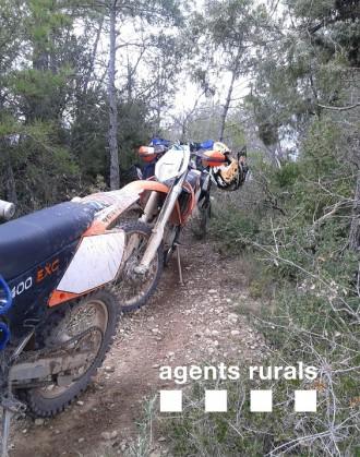 Agents Rurals denuncien 4 motocicletes per circular per corriols i senders a la Noguera