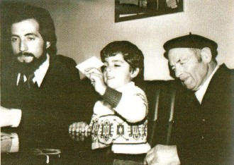 L'històric exregidor socialista de Ripoll Eudald Fajula ret homenatge al seu pare